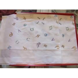 Fazzoletto donna Apitexa modello alfabeto disegnato