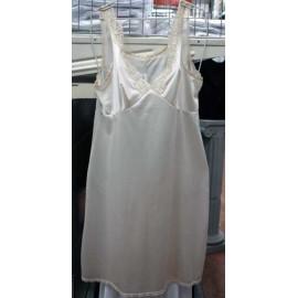 Sottoveste donna Bottocchio spalla larga con forma seno e bordo pizzo